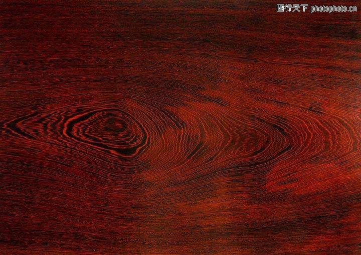 地板与深红色卧室门颜色搭配