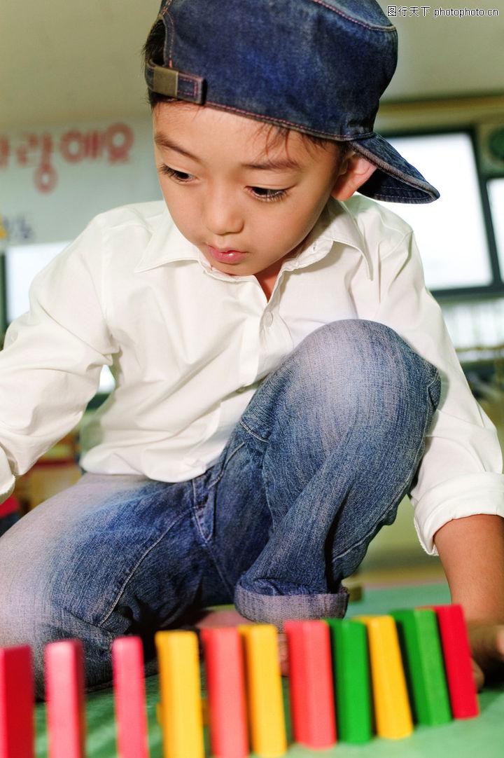 学前教育,儿童,游戏时间 玩玩具 牛仔帽,学前教育0054
