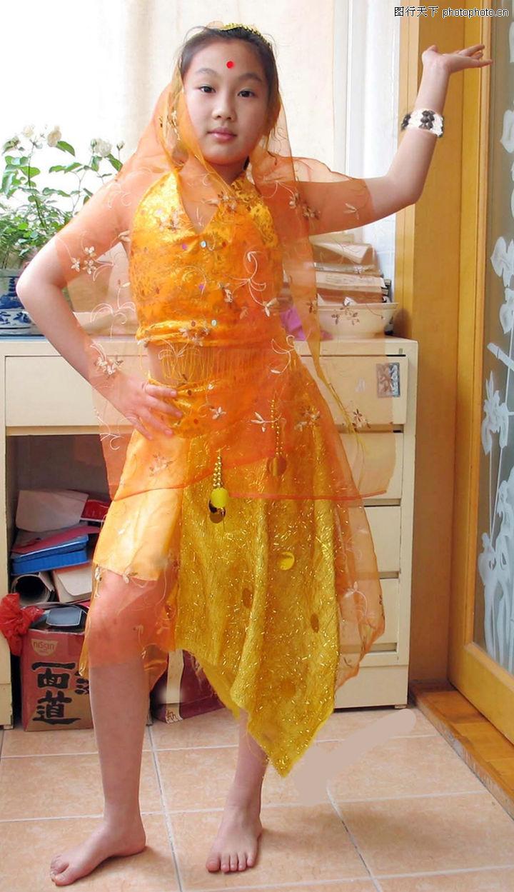 用报纸做儿童裙子步骤图片