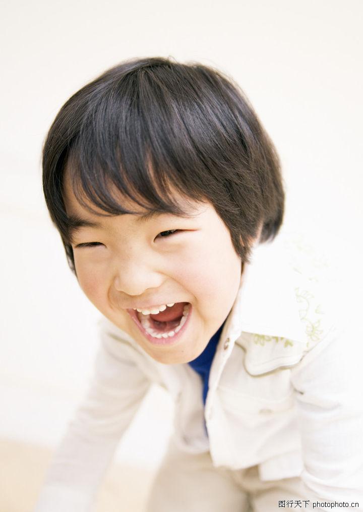 开心大笑的宝宝头像