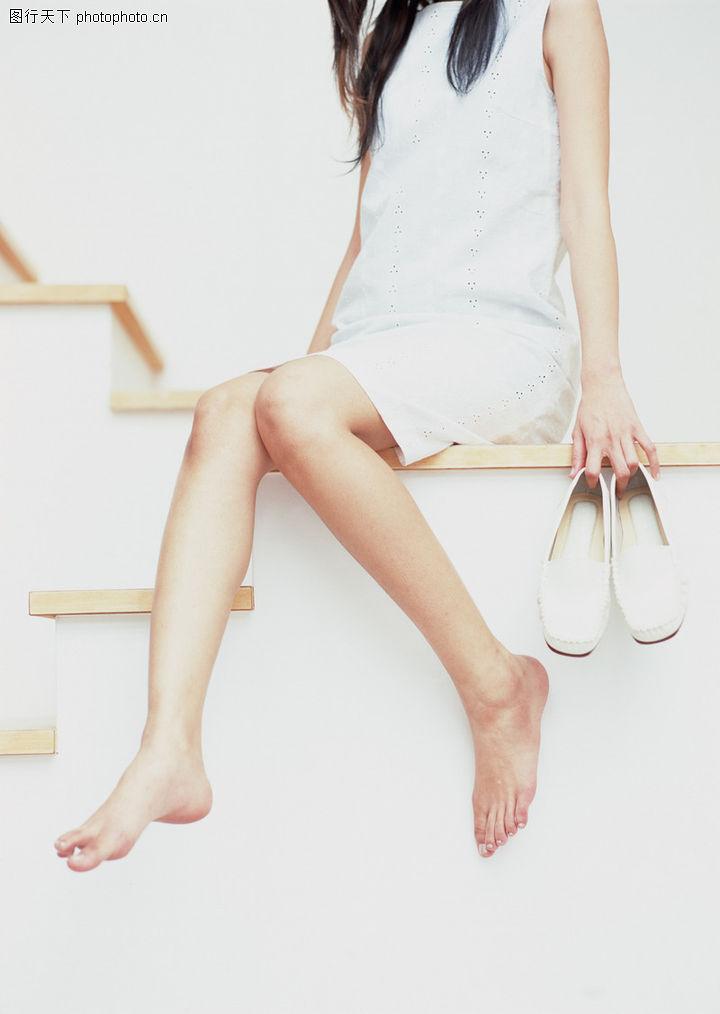 运动鞋 赤脚