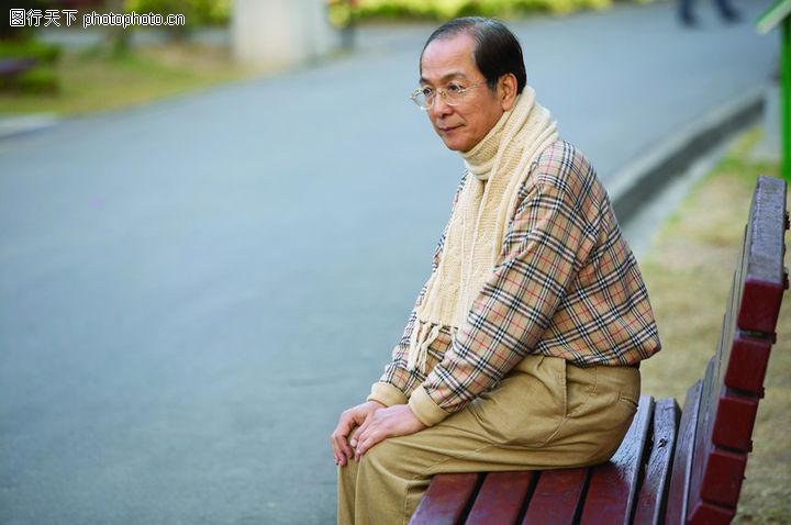 老年人,坐在椅子上