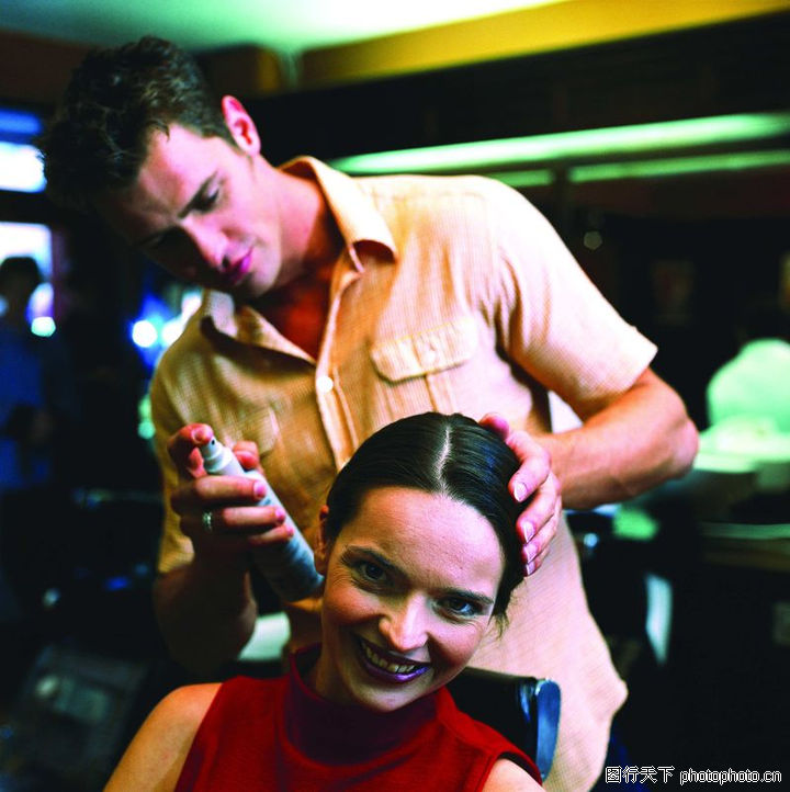 购物场景,生活百科,发型设计师 喷发胶,购物场景0048