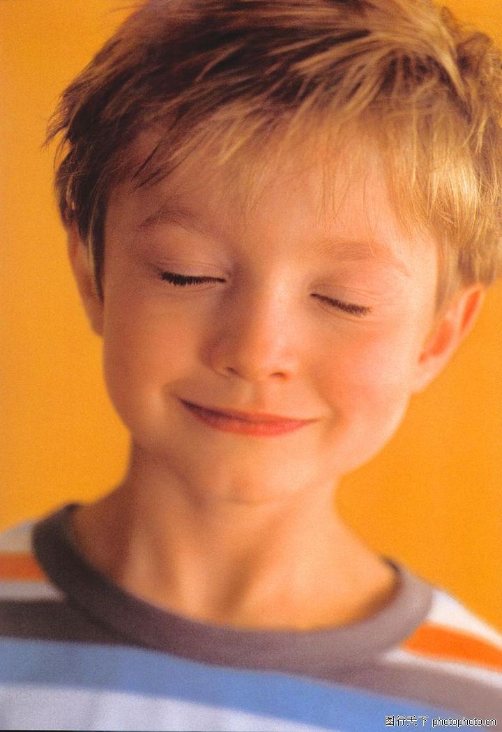 人物肖像,顶尖视觉创意,小男孩 闭上眼睛,人物肖像0008