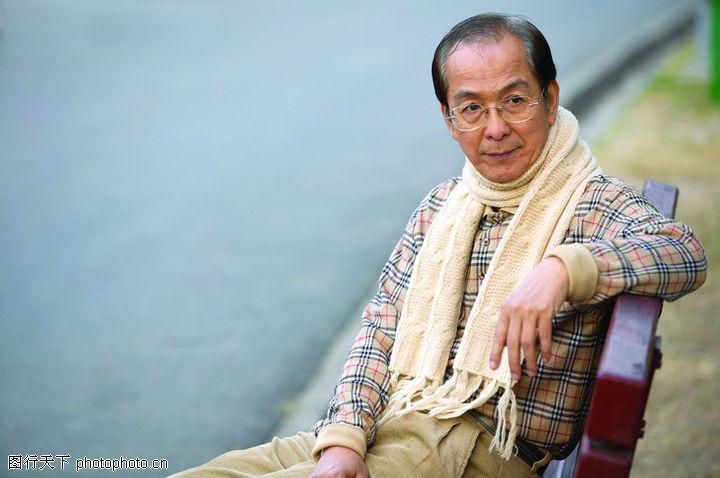 知识老人 米色围巾